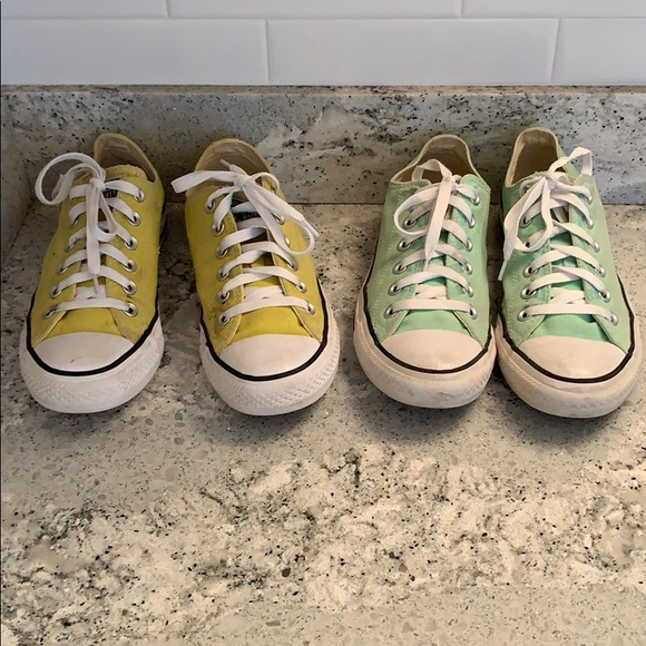 728576678252 2 pairs of Converse low tops in women s size 8.